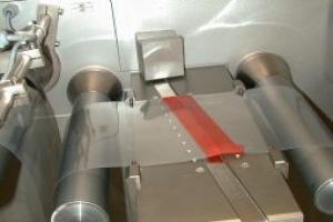 adhésif thermoformable rouge pour raccord de bobine